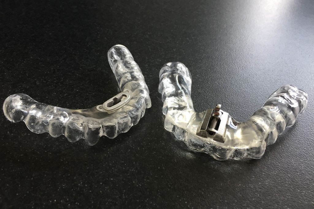 kiskot ja hammassuojat